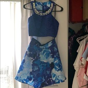 Dresses & Skirts - Two piece blue homecoming dress